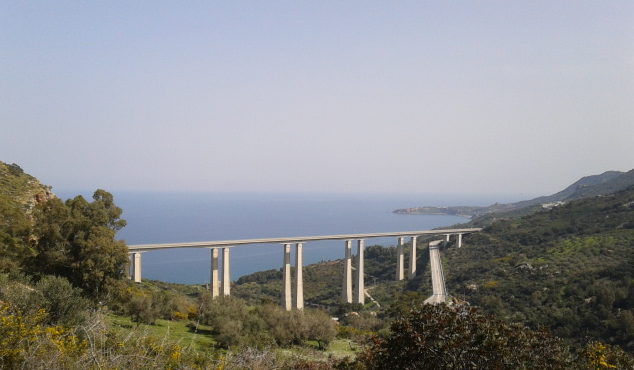 How do we help out learners to bridge that gap... Copyright: Lizzie Pinard 2014 (between Palermo and Cefalu, Sicily)